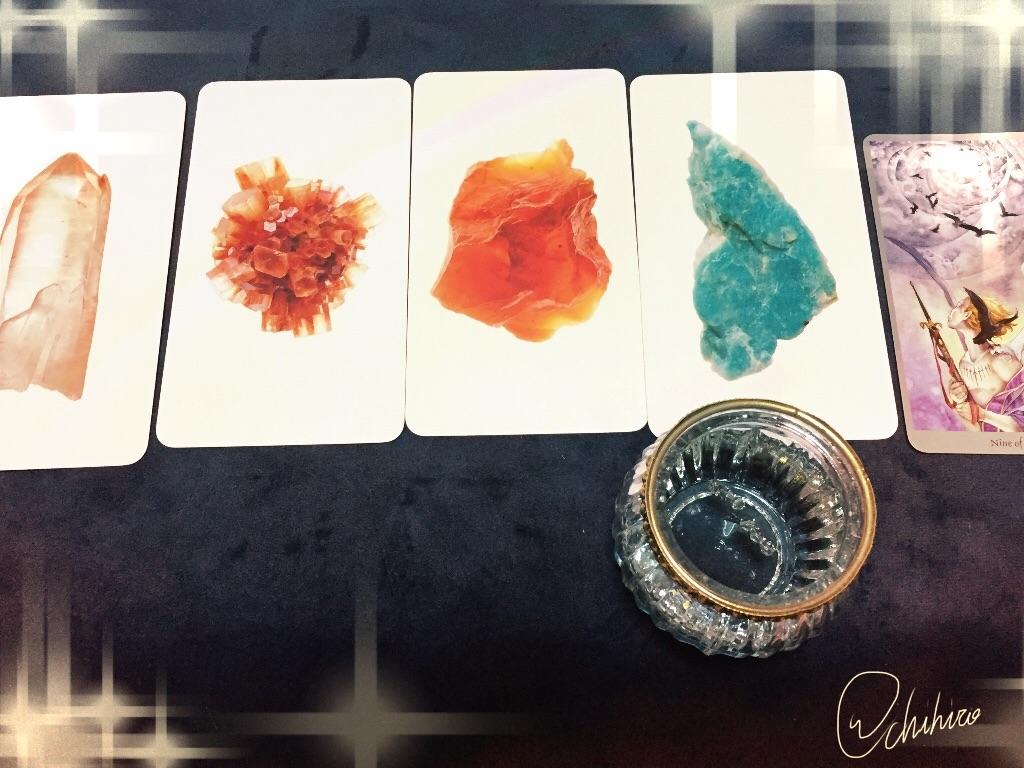 鉱石オラクルカードでラッキーカラー